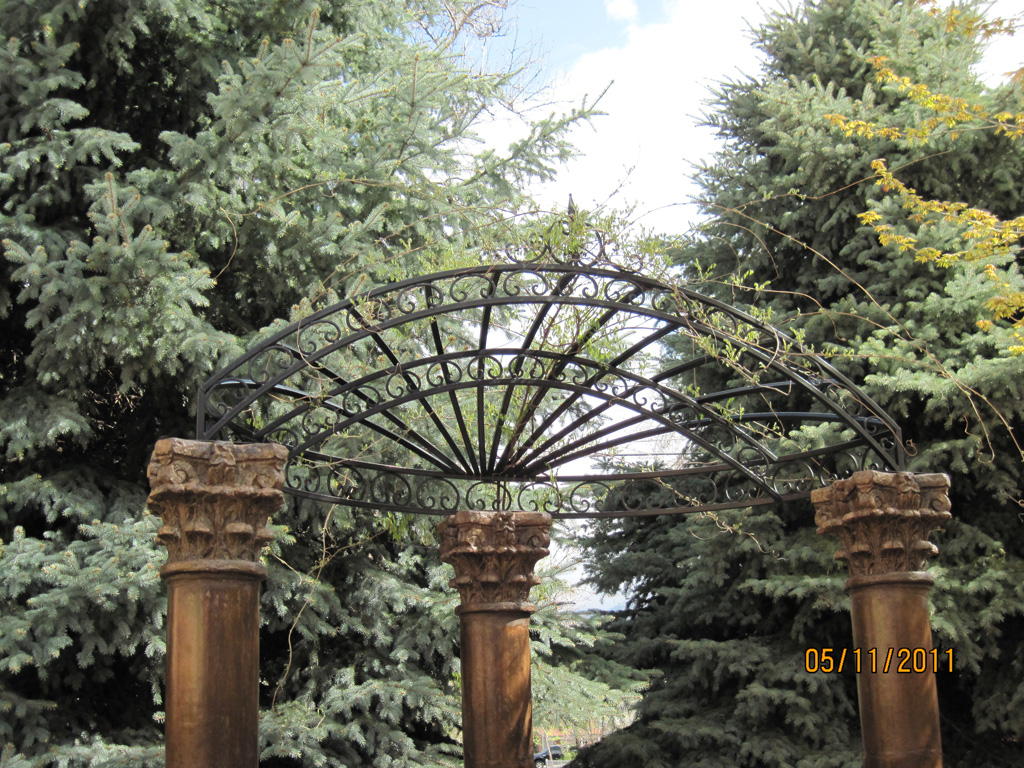 iron-anvil-gazebos-bountiful-reception-center-by-others-1