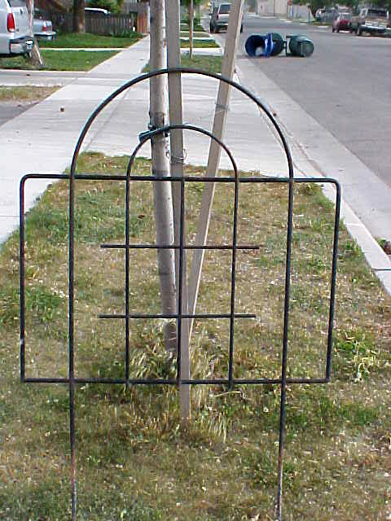 iron-anvil-trellises-garden-2