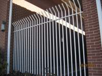iron-anvil-fences-spear-top-single-rail-spear-smash-little-america-fence