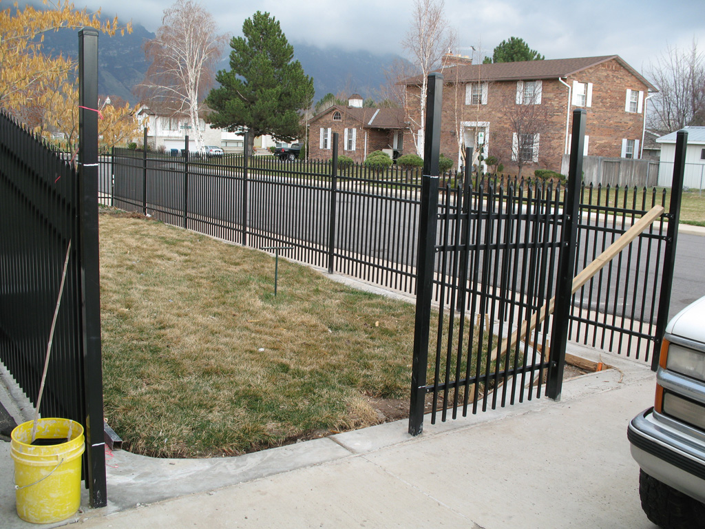 iron-anvil-fences-by-others-iron-anvil-fences-in-orem-new-panel-and-hang-gates-1