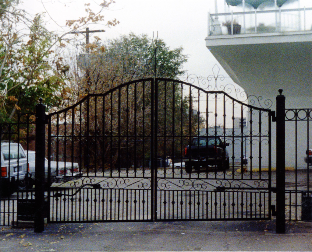 iron-anvil-gates-by-others-driveway-french-arch-off-north-temple