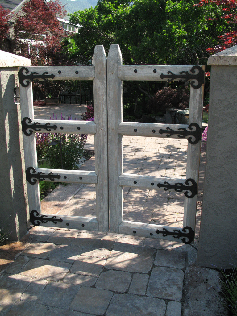 iron-anvil-gates-by-others-man-hardware-on-brockbank