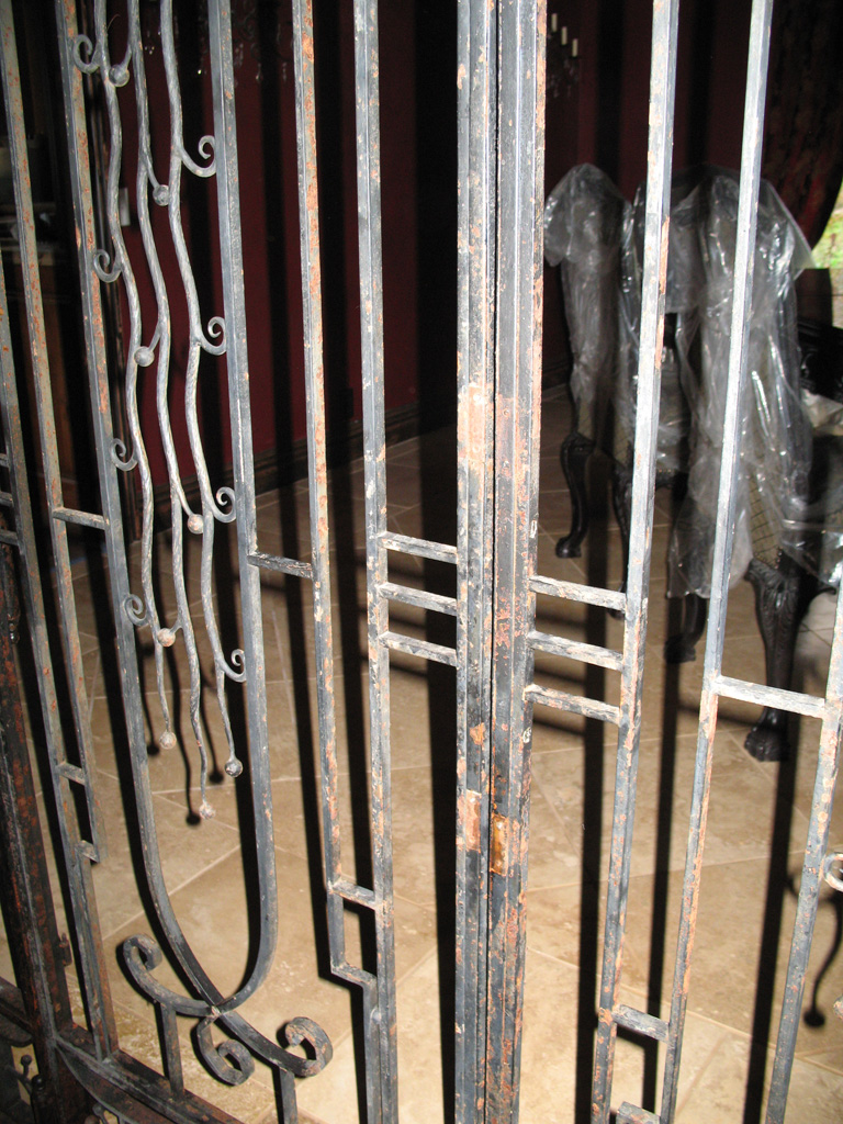iron-anvil-gates-by-others-man-off-6200-s