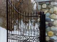iron-anvil-gates-by-others-driveway-french-center-valance