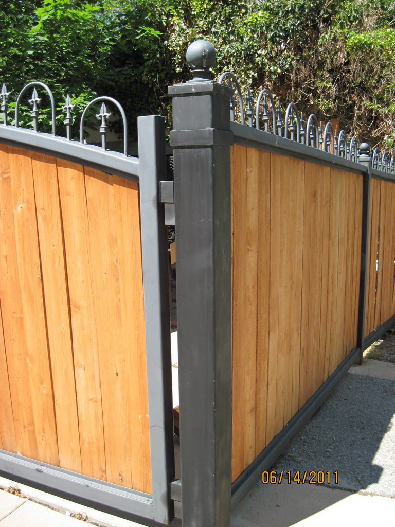 iron-anvil-gates-driveway-arch-barker-wood-insert-3