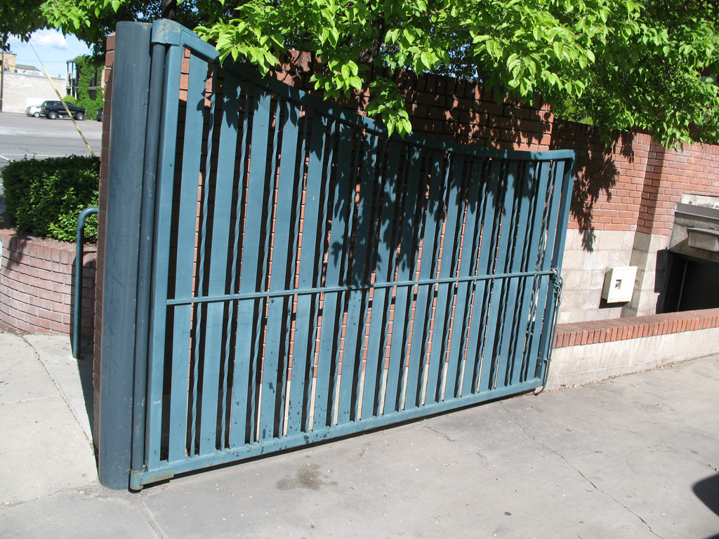 iron-anvil-gates-driveway-concave-dmc-fireston-14179-panel