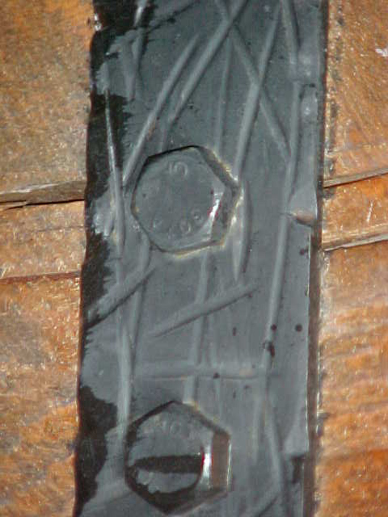 iron-anvil-gates-driveway-flat-glenwild-park-city-with-wood-3