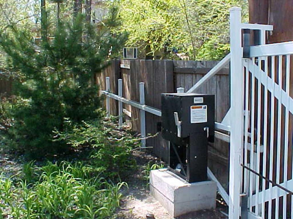 iron-anvil-gates-driveway-flat-mechanisms-4