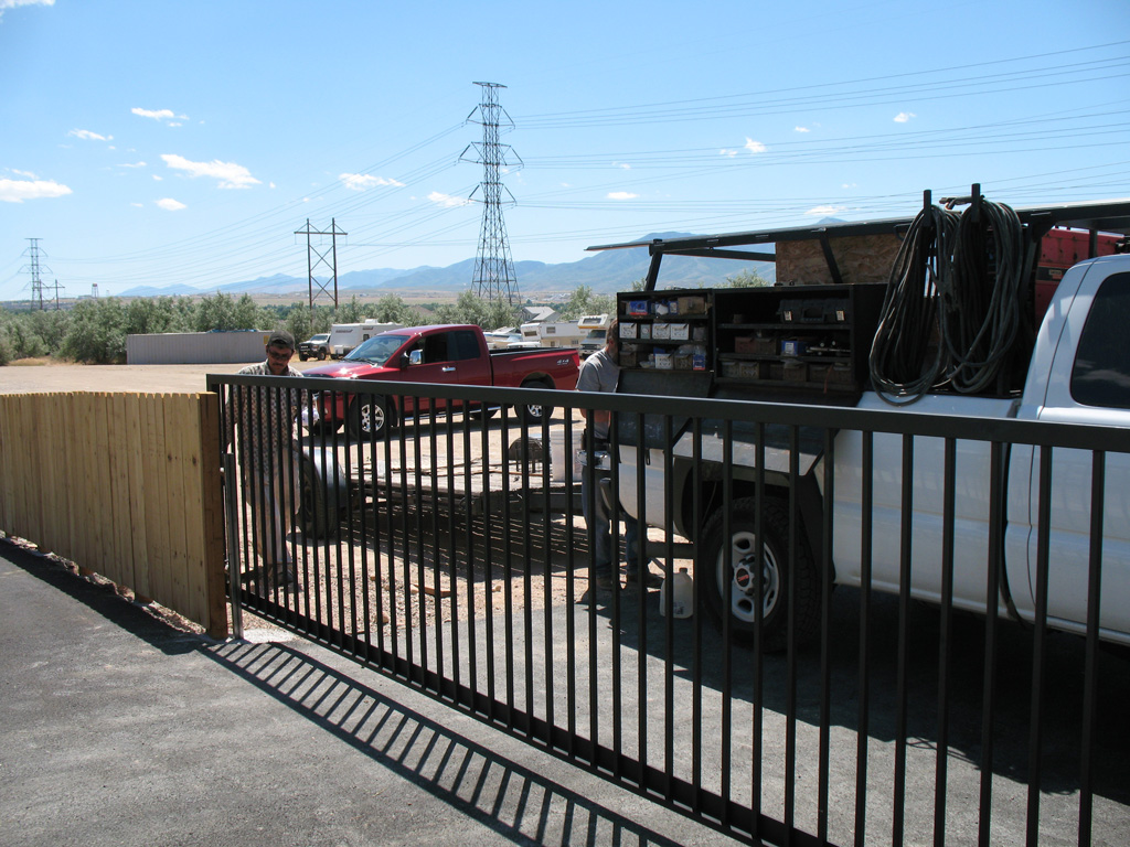 iron-anvil-gates-driveway-flat-rolling-west-valley-3