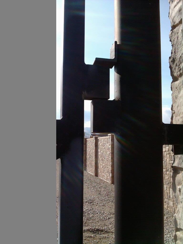 iron-anvil-gates-driveway-flat-wasatch-electric-1-3