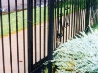 iron-anvil-gates-driveway-flat-driveway-01-1