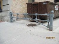 iron-anvil-gates-driveway-flat-up-town
