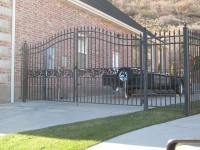 iron-anvil-gates-driveway-french-curve-03