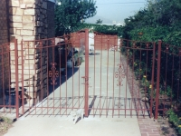 iron-anvil-gates-driveway-french-curve-4
