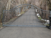 iron-anvil-gates-driveway-french-curve-on-6200-s-french-curve-curve