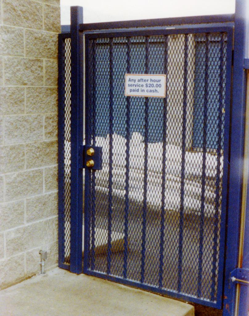 iron-anvil-gates-man-flat-expanded-metal-3