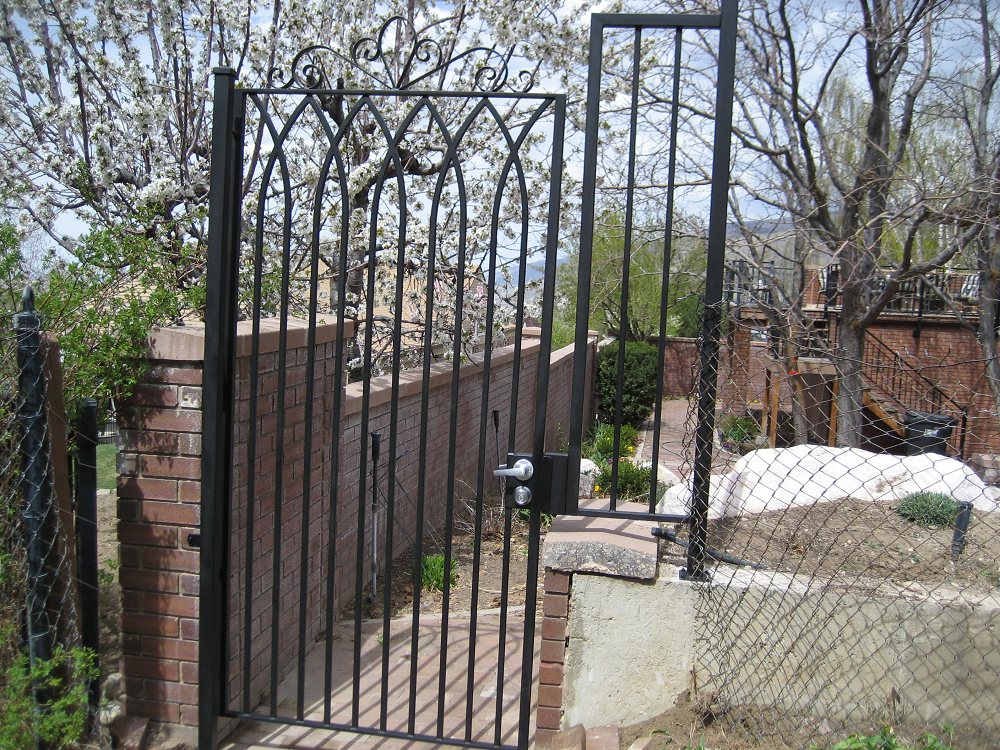 iron-anvil-gates-man-flat-scroll-top-presbyterian-church-1-2-2