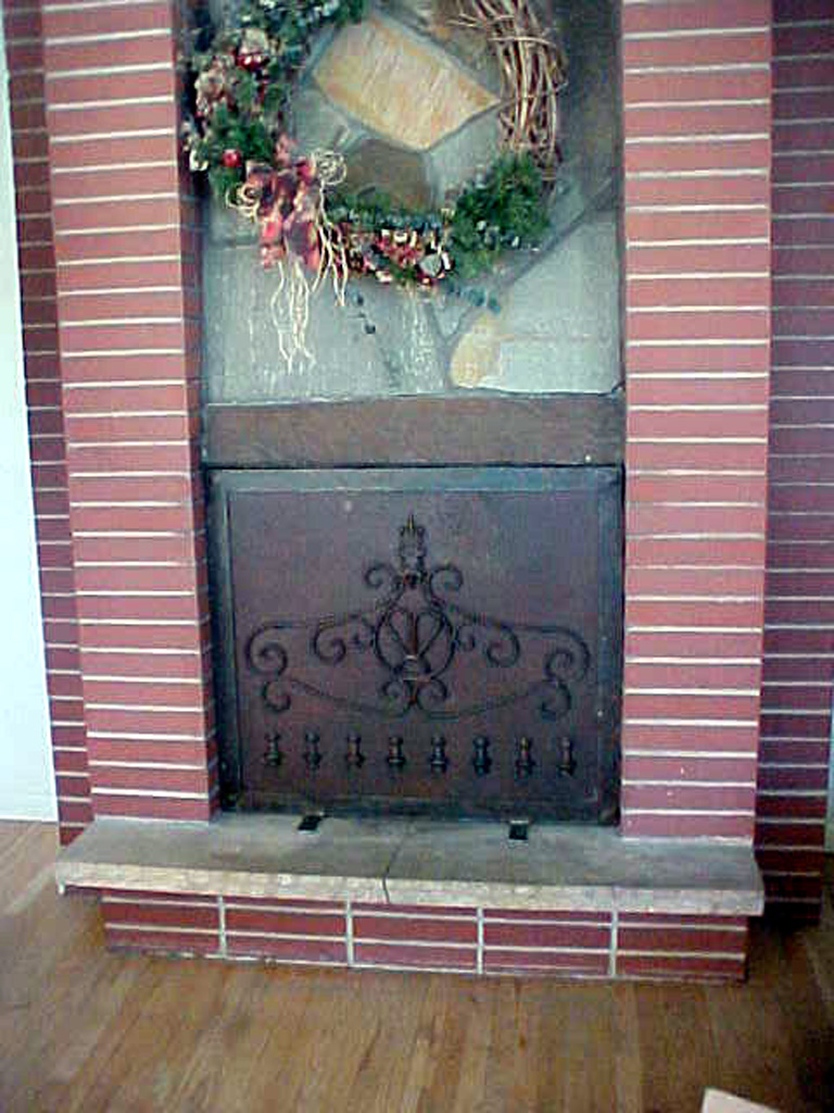 iron-anvil-other-items-fireplace-screen-3