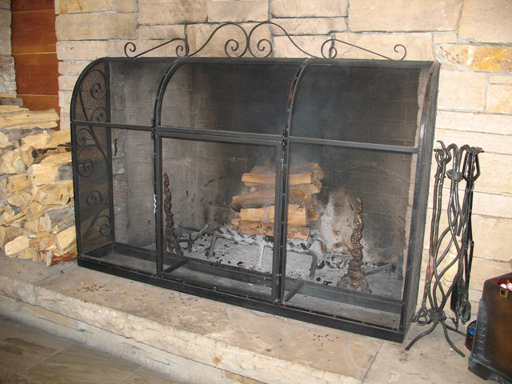 iron-anvil-other-items-fireplace-screen-self-standing-2-2