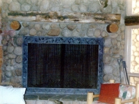 iron-anvil-other-items-fireplace-screen-border-alpine-066-4