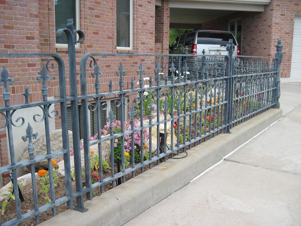 iron-anvil-railing-antiques-murray-replication