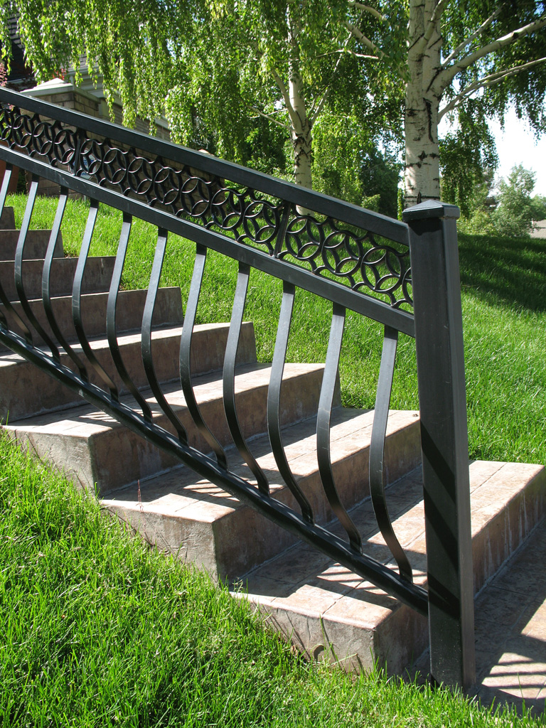 iron-anvil-railing-belly-rail-double-top-flat-bar-casting-by-others-1