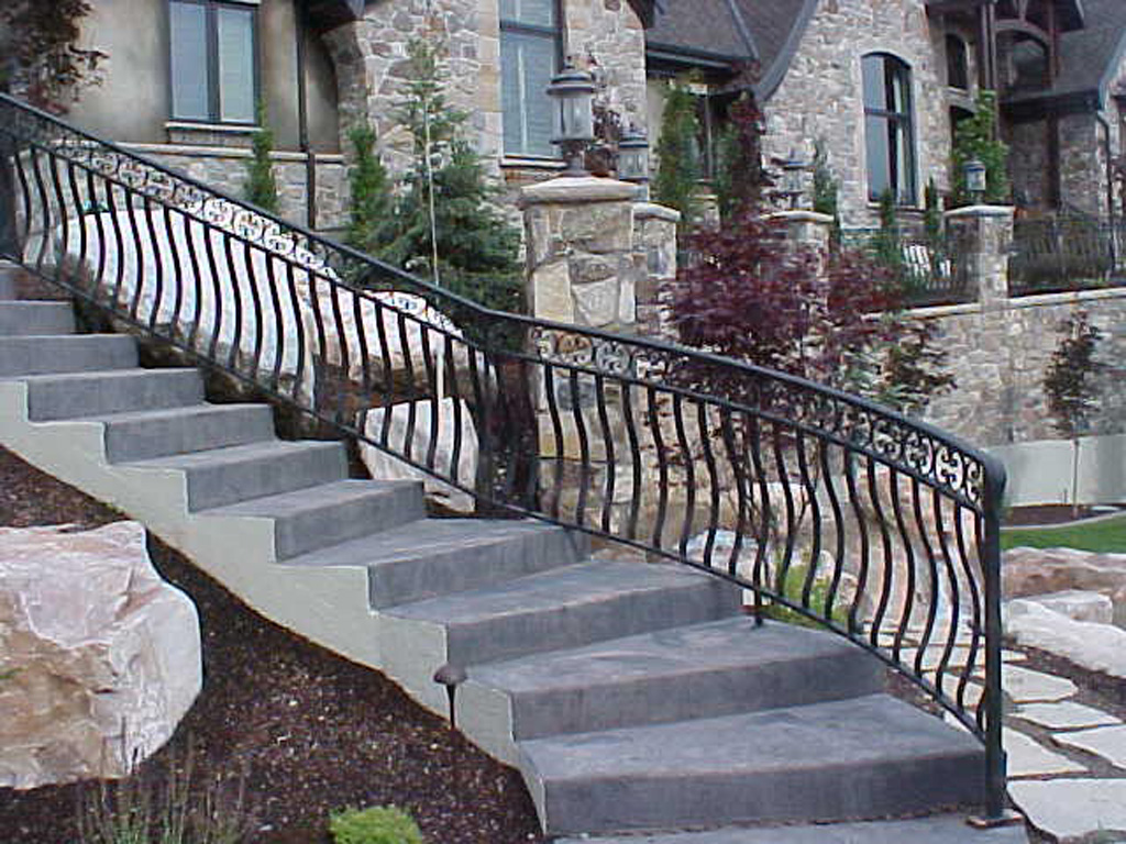 iron-anvil-railing-belly-rail-double-top-flat-bar-steel-roberts-btf-2