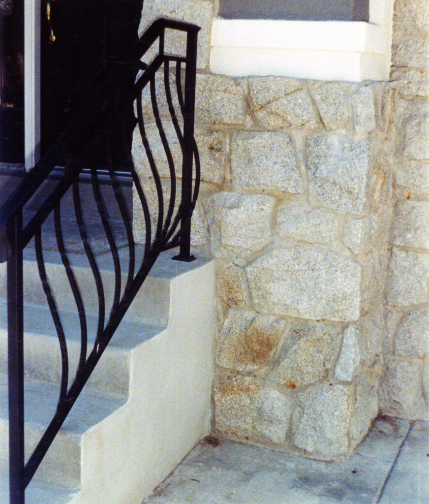 iron-anvil-railing-belly-rail-double-top-square-twist-1