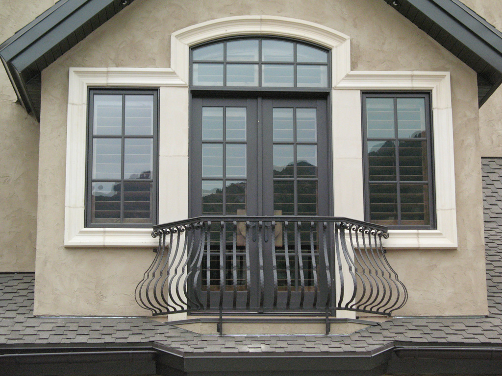 iron-anvil-railing-belly-rail-single-top-flat-bar-scroll-top-integrated-mcdowell-5-3