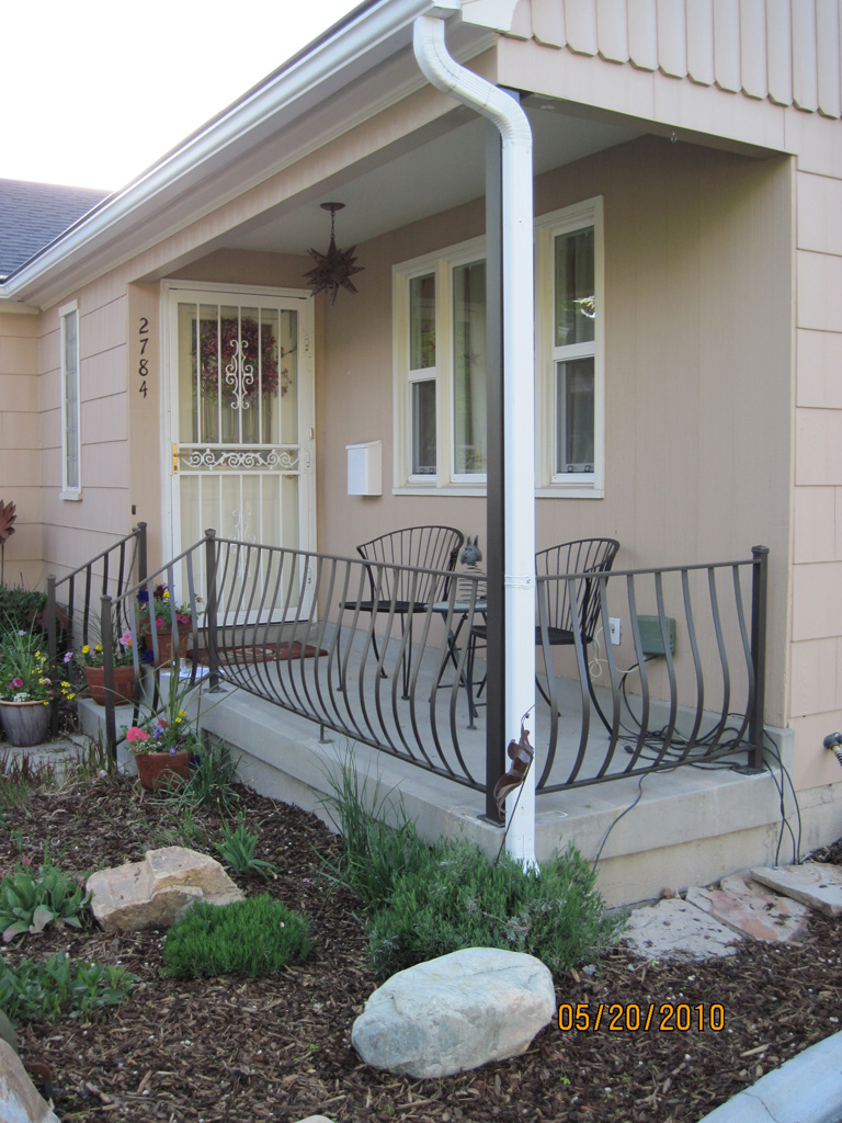 iron-anvil-railing-belly-rail-single-top-flat-bar-sugarhouse-makeover-2