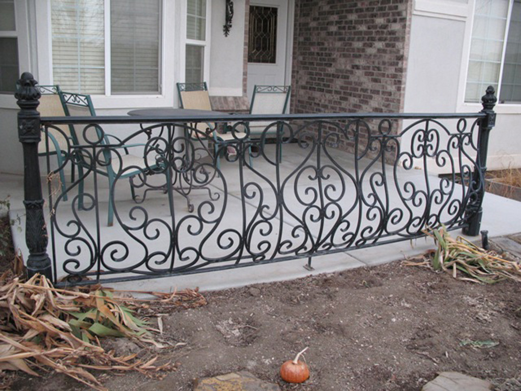 iron-anvil-railing-belly-rail-single-top-square-european-wilson-vern-2