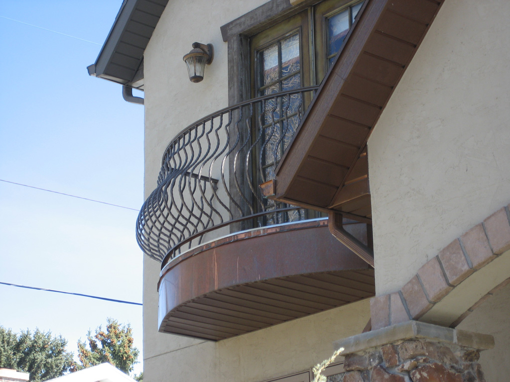 iron-anvil-railing-belly-rail-single-top-square-juliette-radius