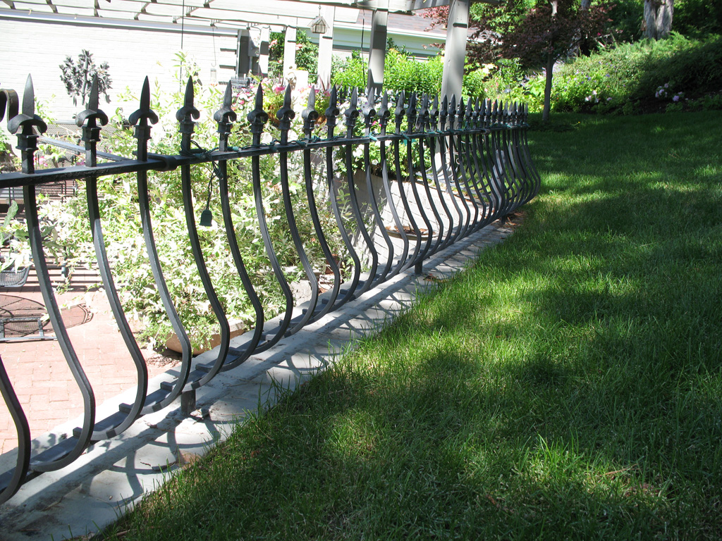 iron-anvil-railing-belly-rail-single-top-square-spear-29-1620-bennet-betty-penny-chandler-circles-a-1