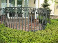 iron-anvil-railing-belly-rail-double-top-flat-bar-s-scroll-casting-chateau-on-the-green
