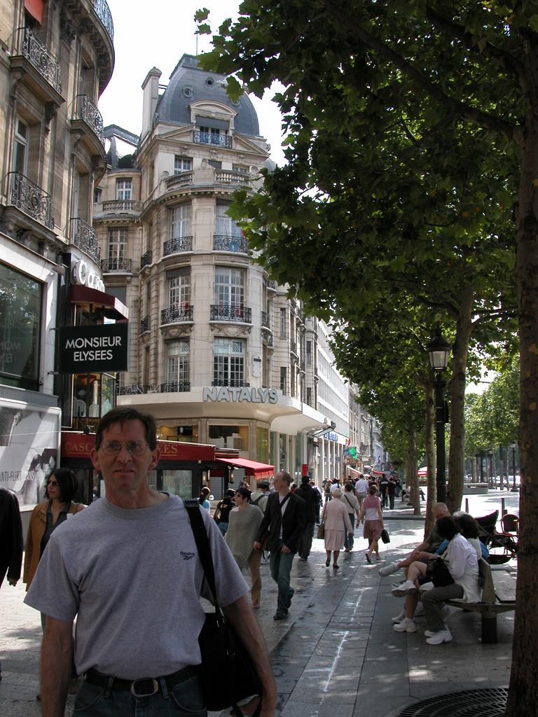 iron-anvil-railing-by-others-european-france-paris-263-19