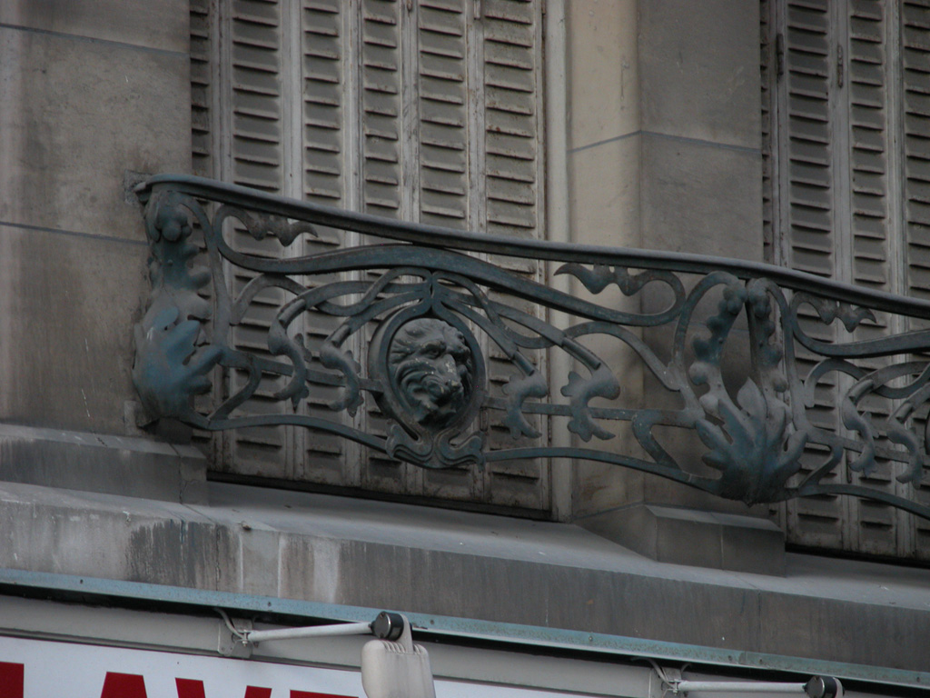 iron-anvil-railing-by-others-european-france-paris-263-38