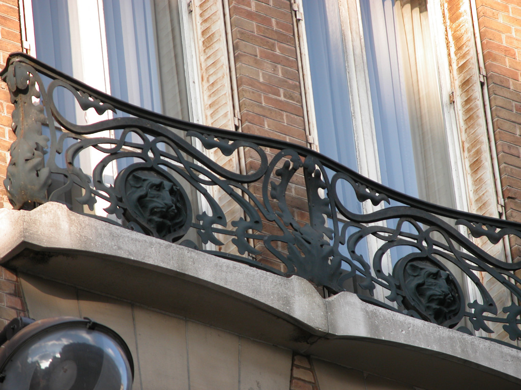 iron-anvil-railing-by-others-european-france-paris-263-40