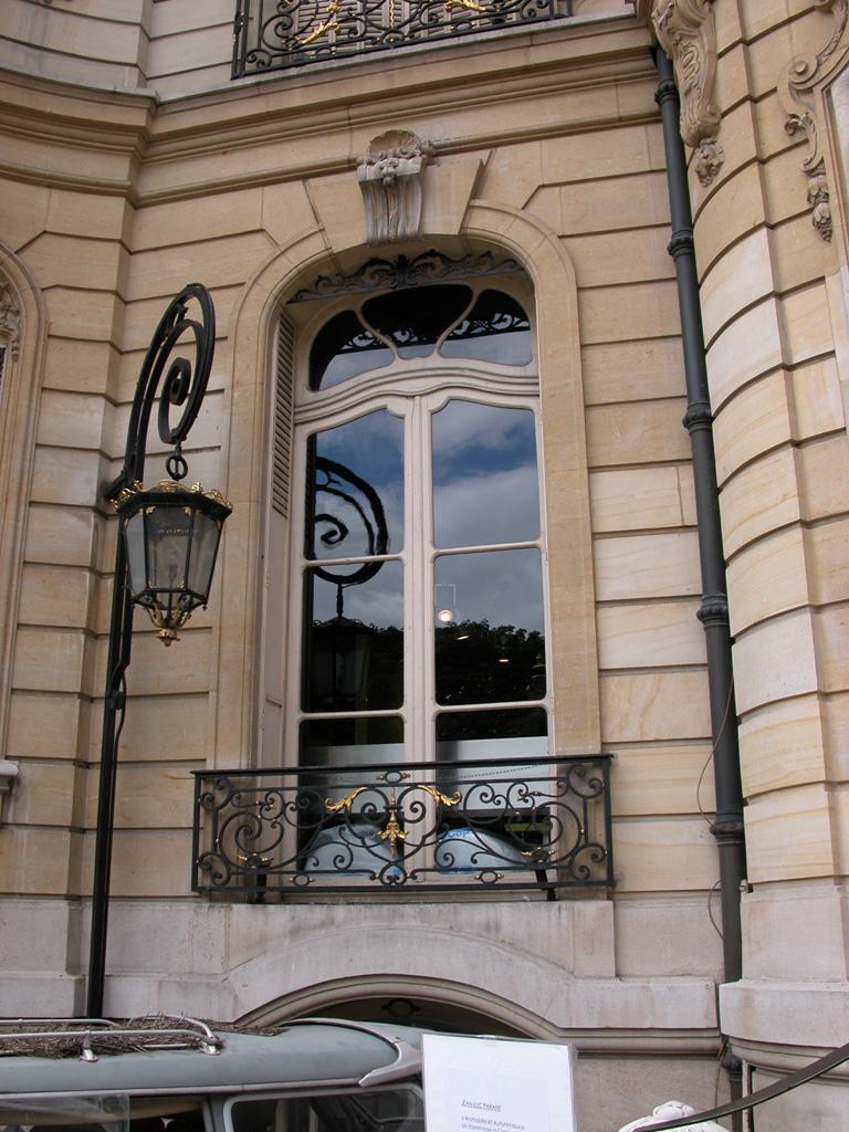 iron-anvil-railing-by-others-european-france-paris-263-55