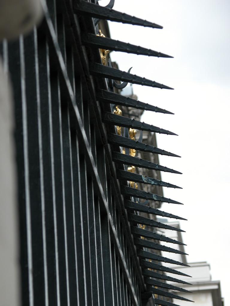 iron-anvil-railing-by-others-european-france-paris-263-61