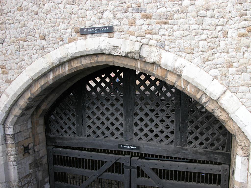 iron-anvil-railing-by-others-european-france-paris-263-66