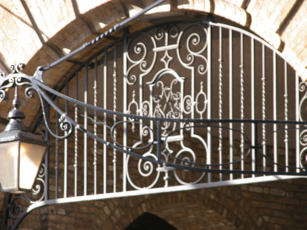 iron-anvil-railing-by-others-european-france-paris-263-69