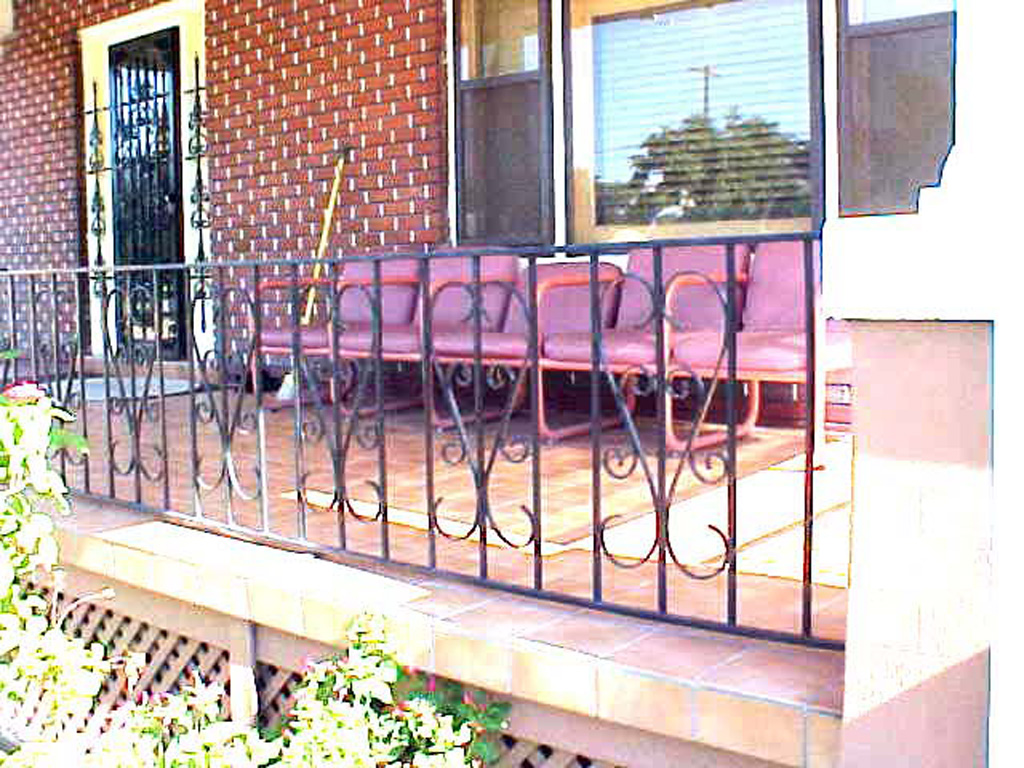 iron-anvil-railing-by-others-k4-a-1