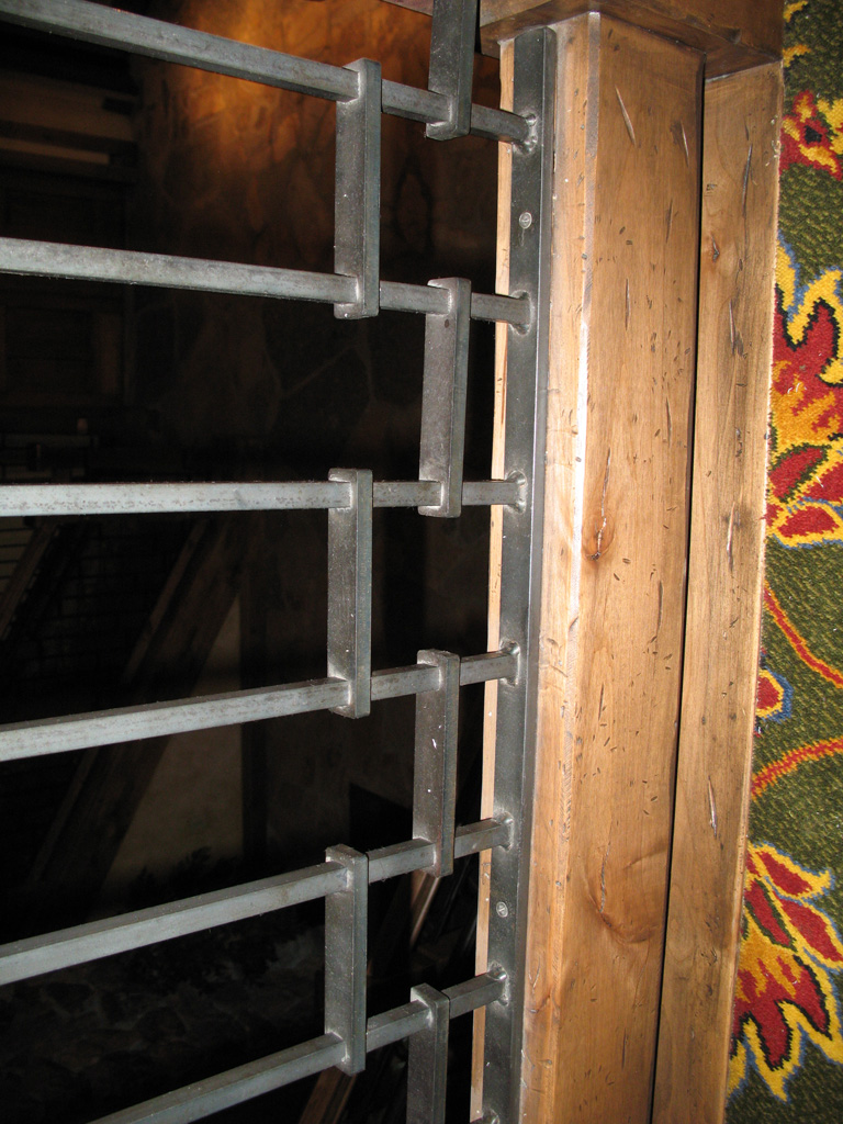 iron-anvil-railing-by-others-stien-erickson-lodge-by-lighting-fordge-9-5