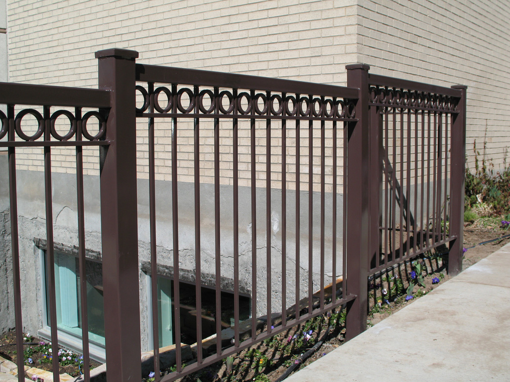 iron-anvil-railing-double-top-circles-10-xxxx-jacobsen-old-girl-scout-building-3