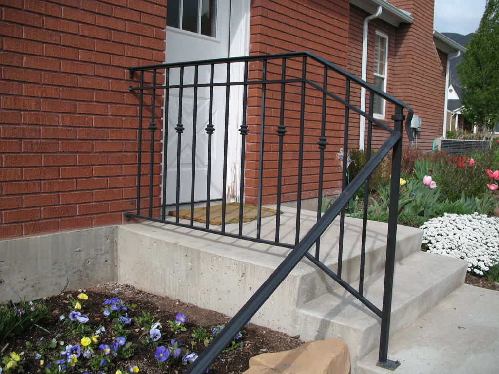 iron-anvil-railing-double-top-collars-by-slc-country-club
