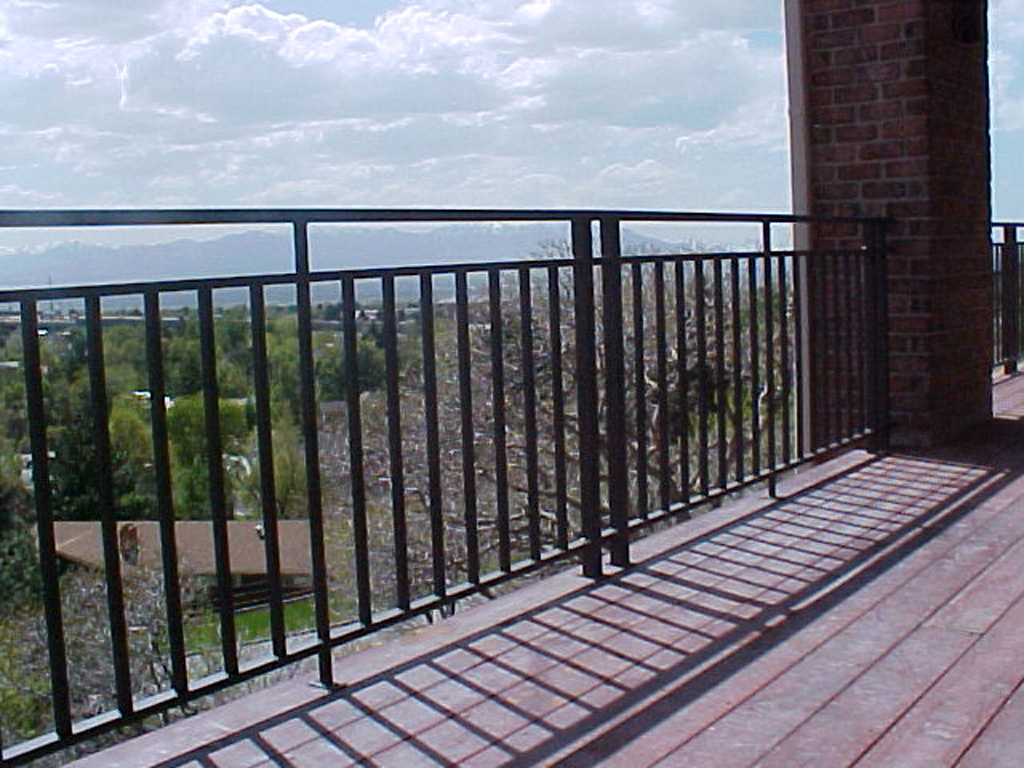 iron-anvil-railing-double-top-simple-10-0909-east-mill-creek-02