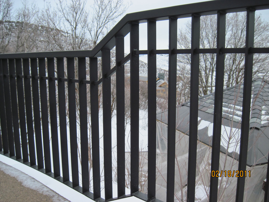 iron-anvil-railing-double-top-simple-flat-bar-yukon-14383-lot-61-deer-crest-3-2