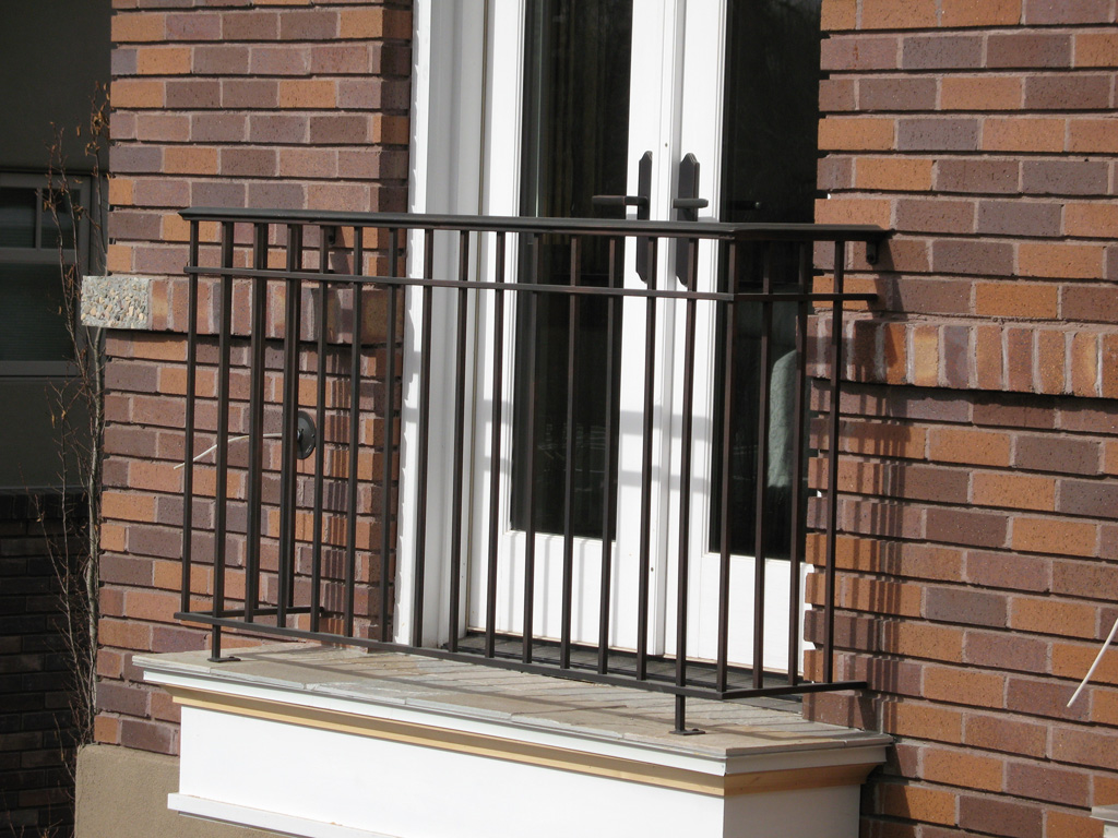 iron-anvil-railing-double-top-simple-gustafson-pynes-yale-ave-10-0915-1-1