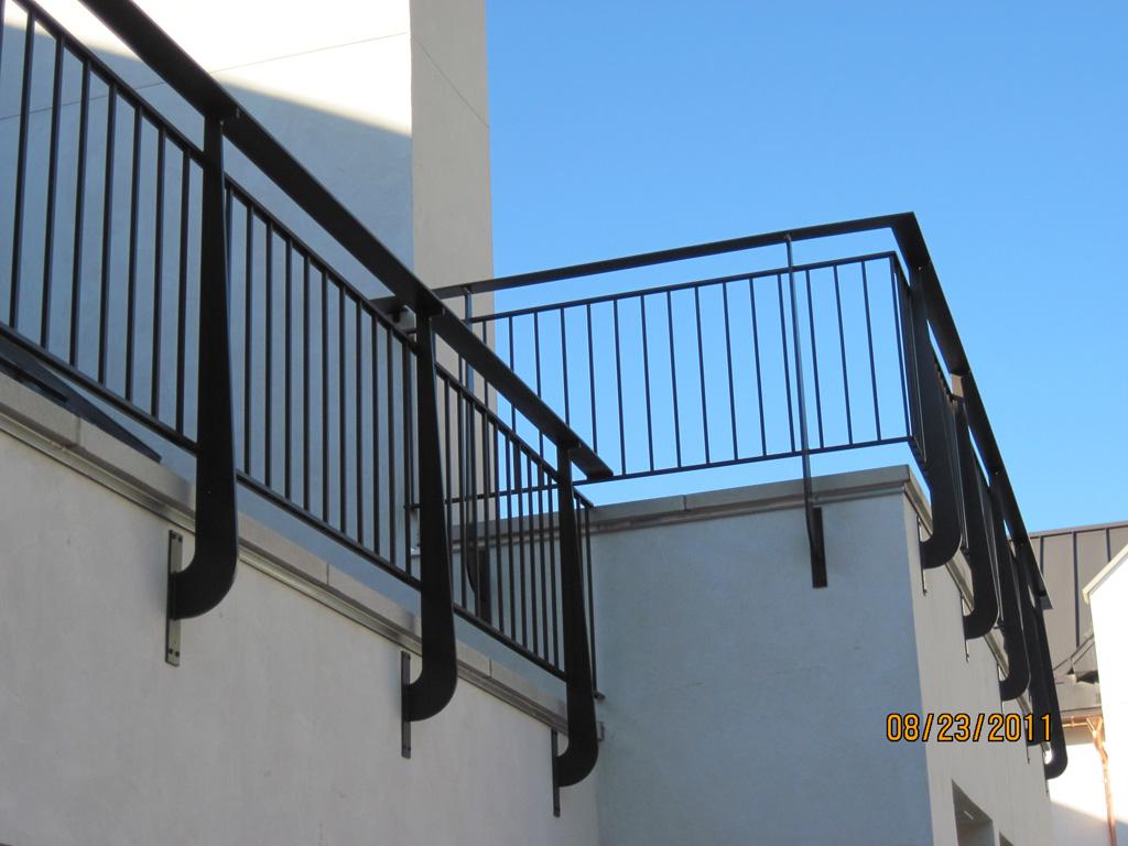 iron-anvil-railing-double-top-simple-ingerson-const-boshito-rail-8-1