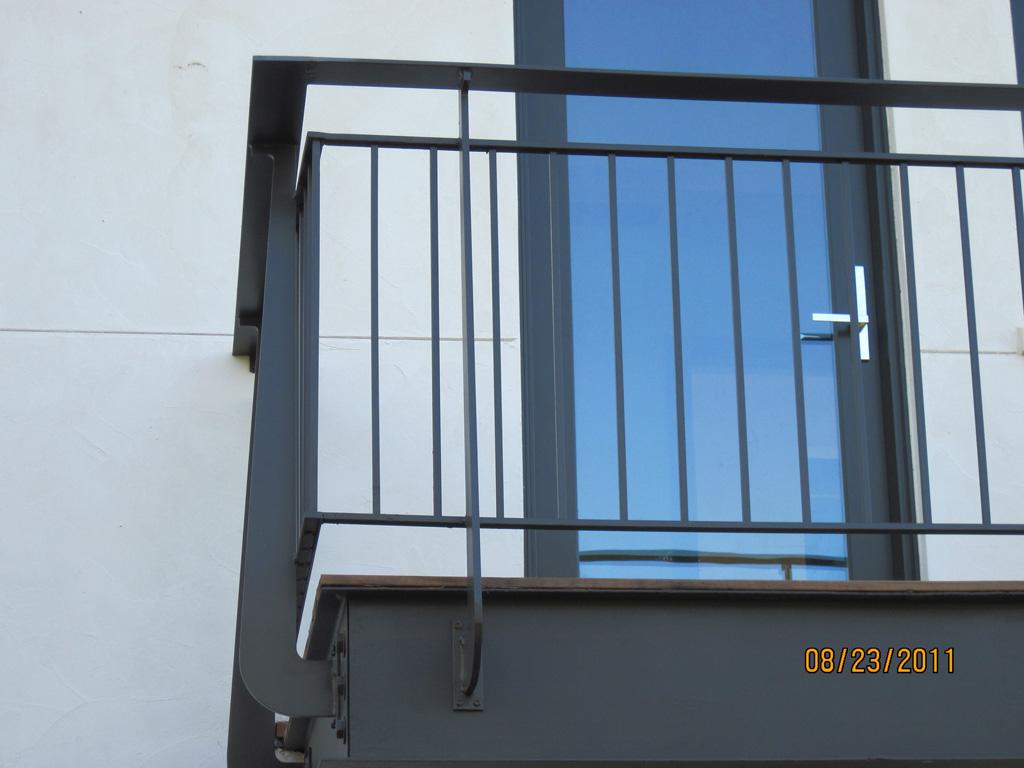 iron-anvil-railing-double-top-simple-ingerson-const-boshito-rail-8-6